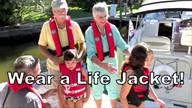 Life Jacket Wear, Boat Live 365